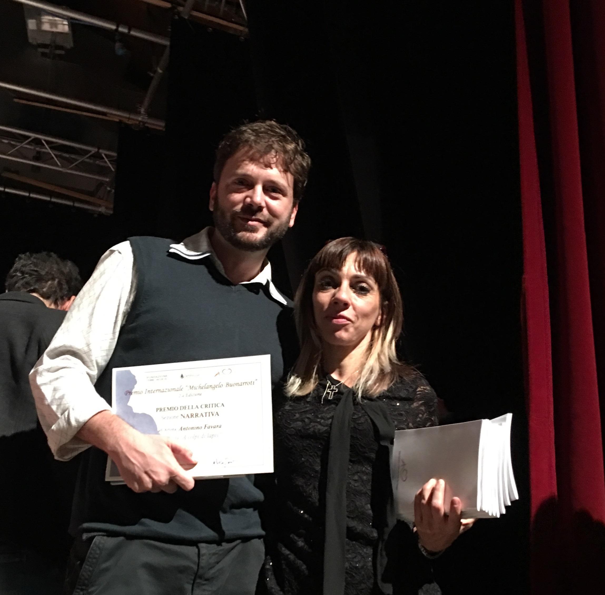 premiazione-con-un-membro-della-giuria-barbara-benedetti